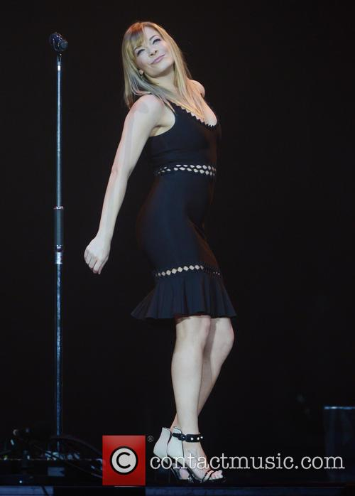 LeAnn Rimes performs at
