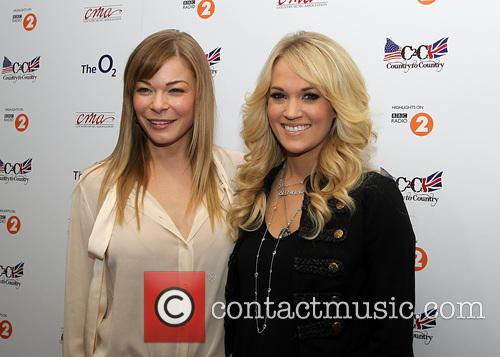 Leann Rimes and Carrie Underwood 5