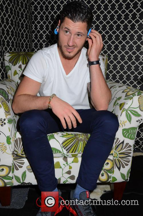 val chmerkovskiy dancing with the stars gifting 3560893