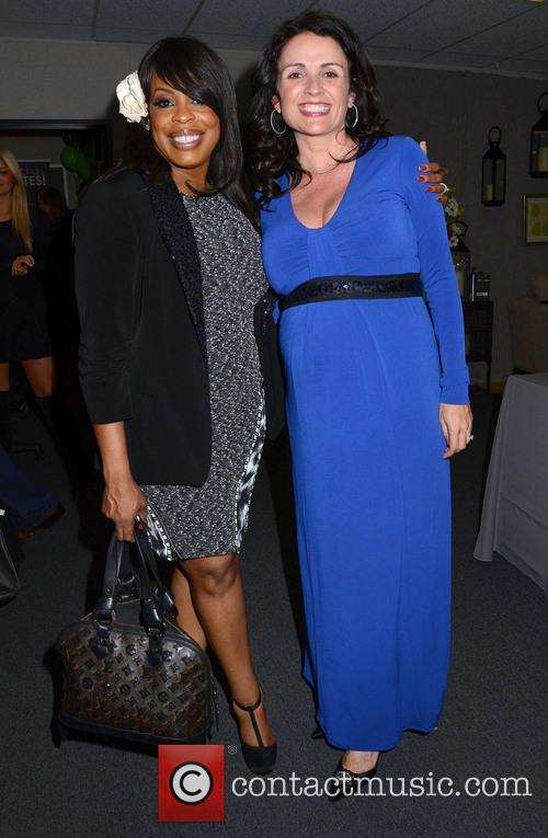 Niecy Nash and Jenni Pulos 7