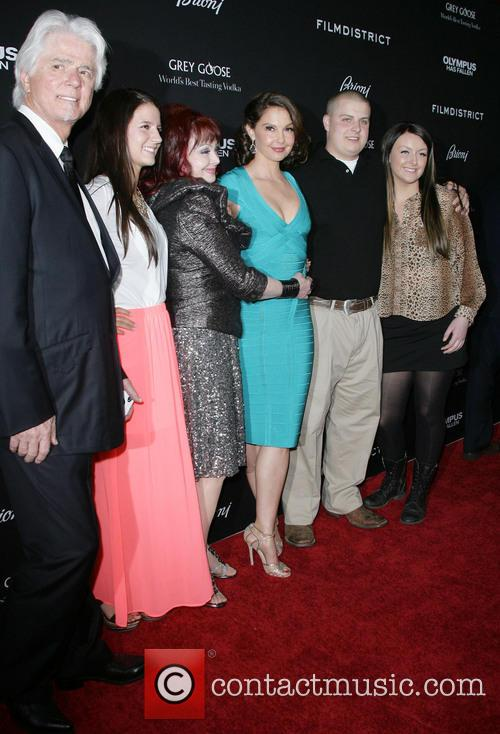 Naomi Judd, Ashley Judd and Family 4