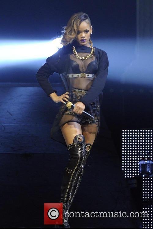 Rihanna 28