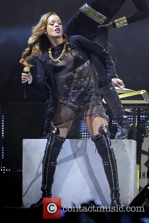 Rihanna 30
