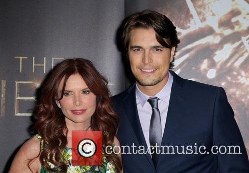 Roma Downey and Diogo Morgado 8