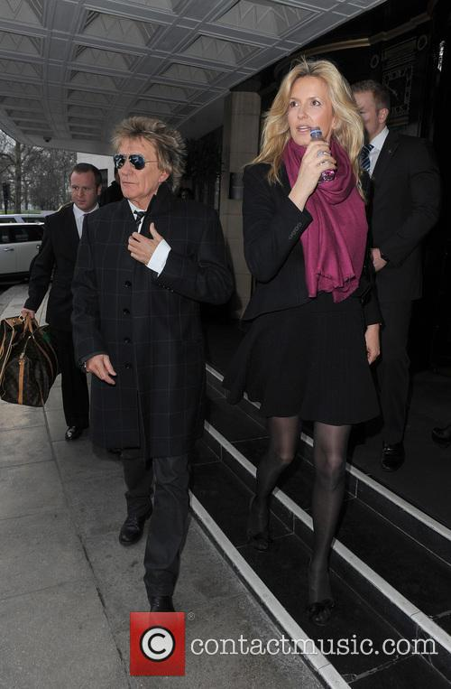 Rod Stewart and Penny Lancaster-stewart 5