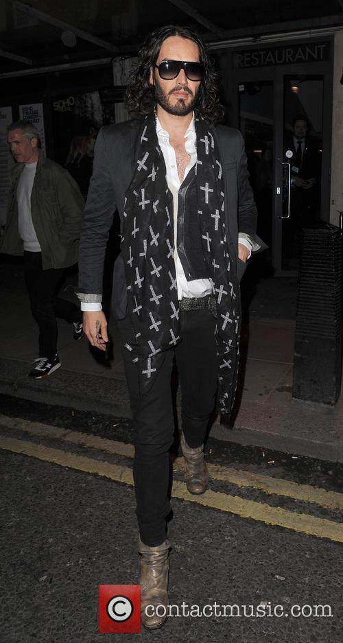 russell brand russell brand leaving the soho 3564660