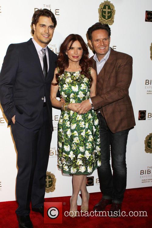 Diogo Morgado, Roma Downey and Mark Burnett 4