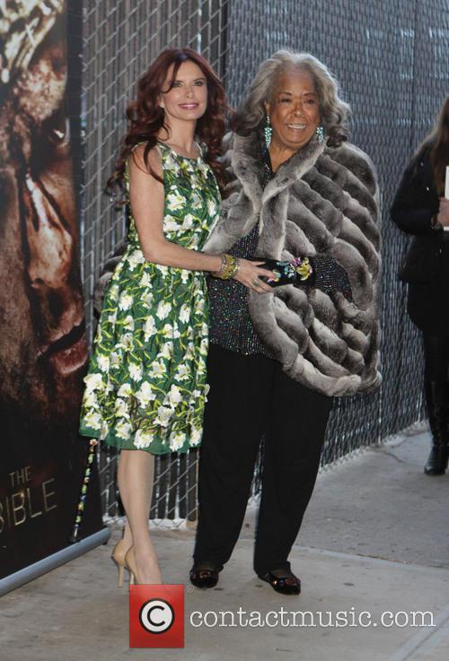Roma Downey and Della Reese 3