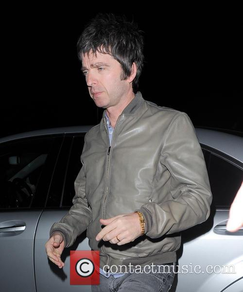 noel gallagher david bowie is private 3566536