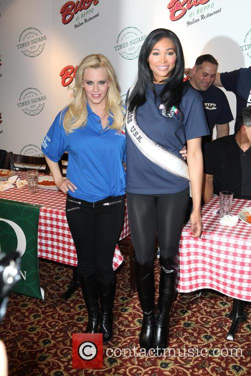 Jenny Mccarthy and Miss Usa Nana Meriweather 11