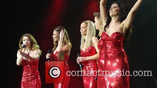 Kimberley Walsh, Nicola Roberts, Nadine Coyle, Cheryl Cole and Sarah Harding 1