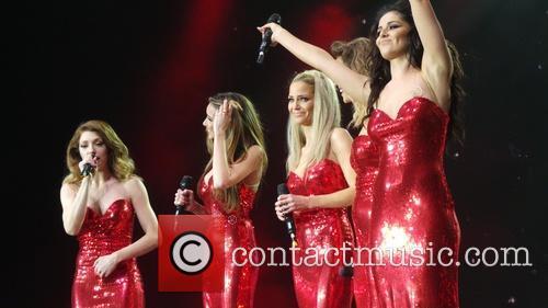 Kimberley Walsh, Nicola Roberts, Nadine Coyle, Cheryl Cole and Sarah Harding 8