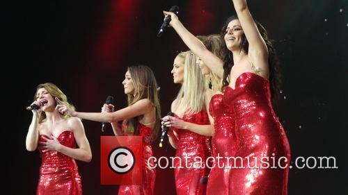 Kimberley Walsh, Nicola Roberts, Nadine Coyle, Cheryl Cole and Sarah Harding 11