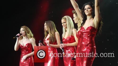 Kimberley Walsh, Nicola Roberts, Nadine Coyle, Cheryl Cole and Sarah Harding 13