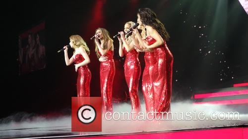 Kimberley Walsh, Nicola Roberts, Nadine Coyle, Cheryl Cole and Sarah Harding 26