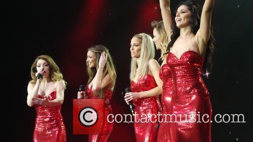 Kimberley Walsh, Nicola Roberts, Nadine Coyle, Cheryl Cole and Sarah Harding 35