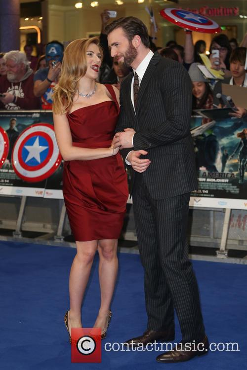 Scarlett Johansson and Chris Pine 6