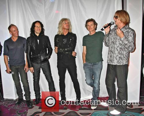 Def Leppard, Phil Collen, Vivian Campbell, Rick Savage, Rick Allen and Joe Elliott 3