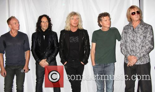 Def Leppard, Phil Collen, Vivian Campbell, Rick Savage, Rick Allen and Joe Elliott 5