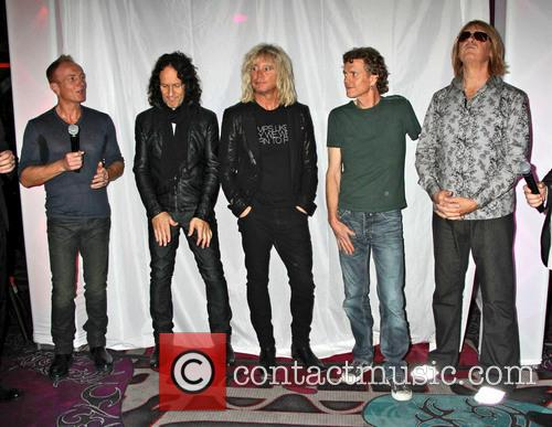 Def Leppard, Phil Collen, Vivian Campbell, Rick Savage, Rick Allen and Joe Elliott 1