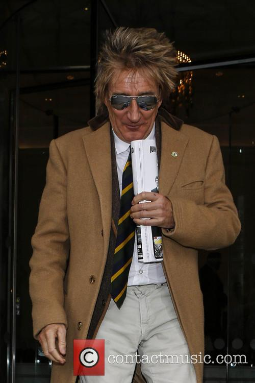 rod stewart rod stewart outside his hotel 3568137