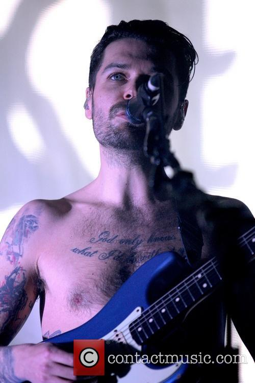 Simon Neil 1
