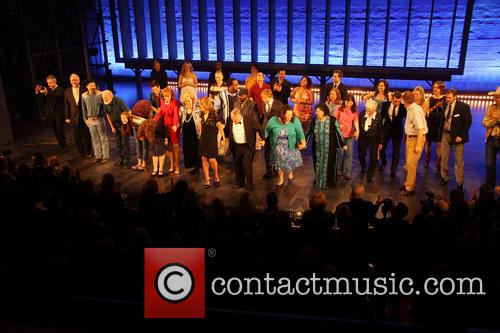 Keith Carradine, Mary Gordon Murray, Keala Settle, David Larsen, Hunter Foster and William Youmans 9