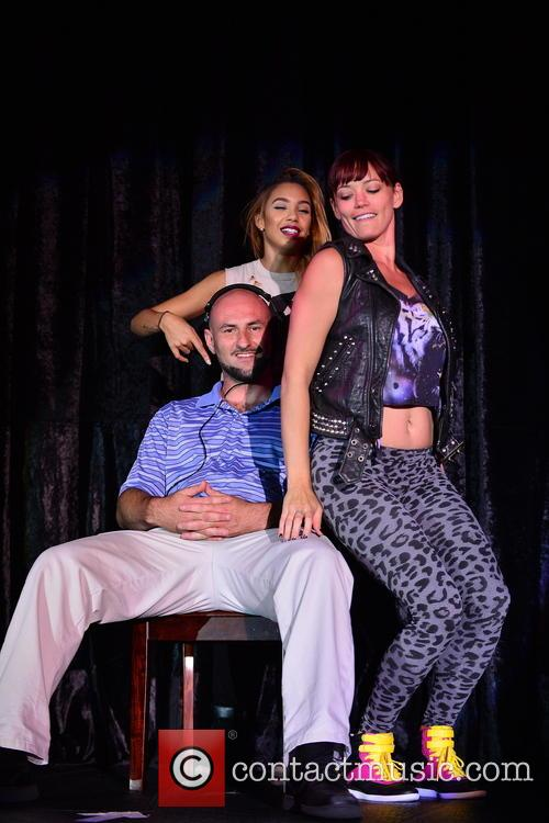 Jessica Sutta Performs