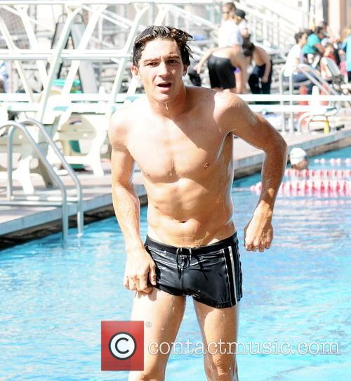 drake bell diving practice for tv show 3568827