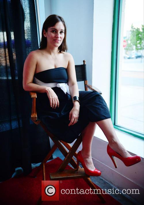 Amy Jo Johnson 7