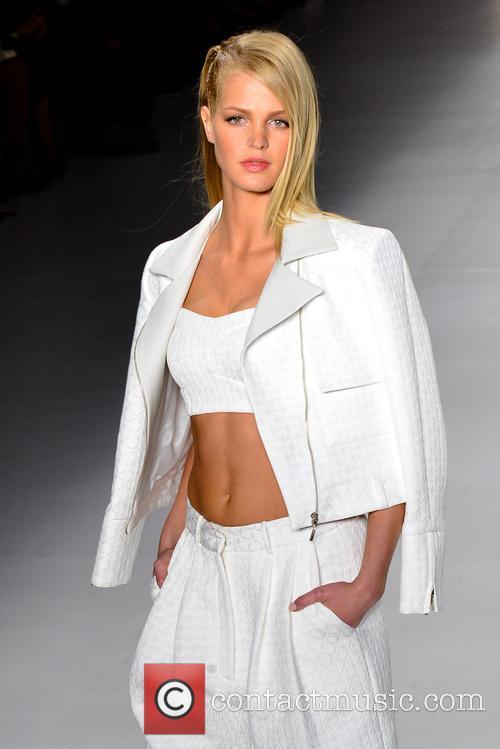 erin heatherton sao paulo fashion week colcci catwalk 2