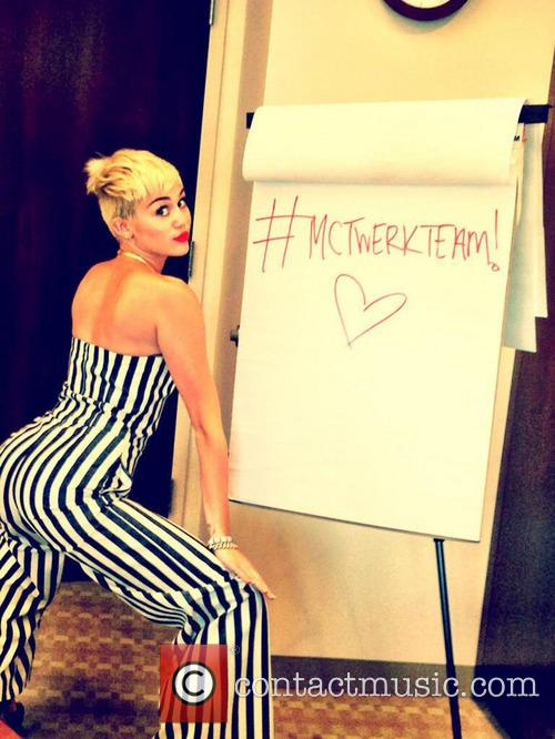 Miley Cyrus Twitter Photo