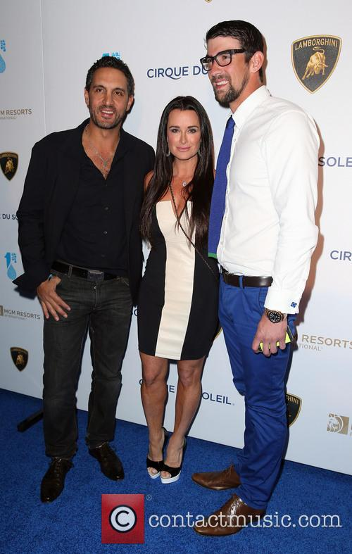 Mauricio Ummansky, Kyle Richards and Michael Phelps 8