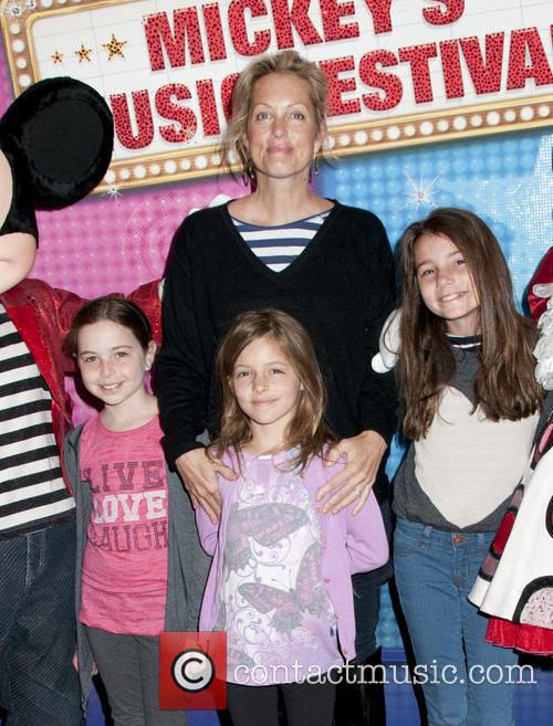 Ali Wentworth and Family 4