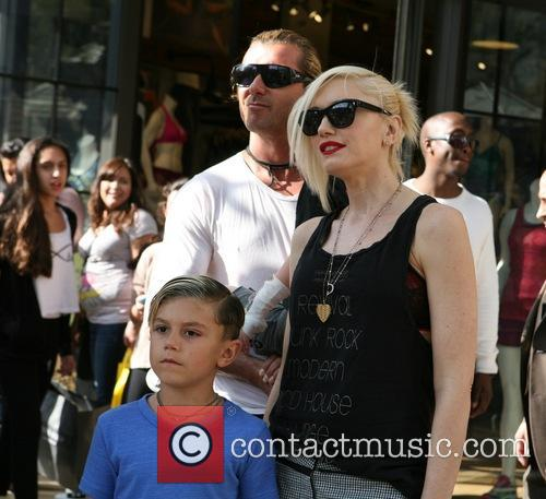 Gavin Rossdale, Gwen Stefani and Kingston Rossdale 10