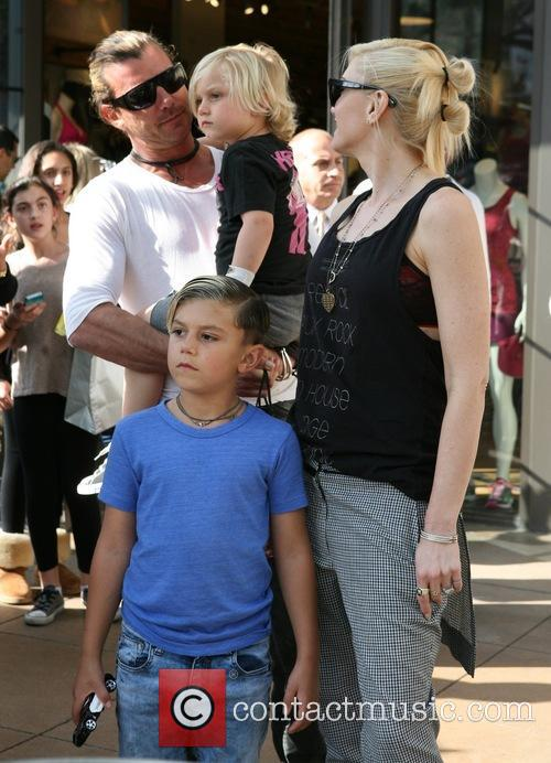 Gavin Rossdale, Gwen Stefani, Kingston Rossdale and Zuma Rossdale 4