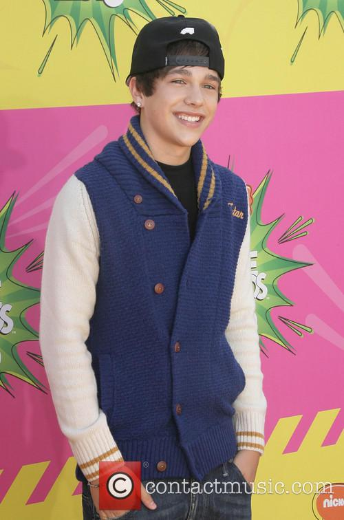 Nickelodeon and Annual Kids' Choice Awards 36