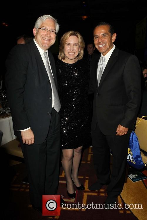 Antonio Villaraigosa, Dean Schramm and Wendy Greuel 3
