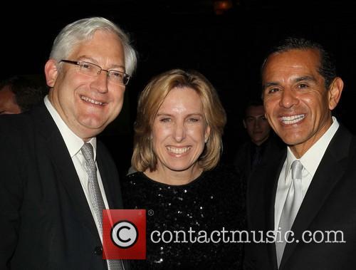 Antonio Villaraigosa, Dean Schramm and Wendy Greuel 11