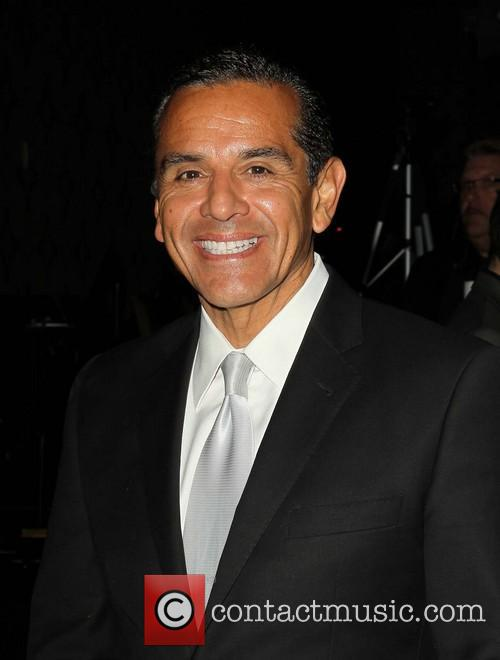 mayor antonio villaraigosa human rights campaign annual 3574636