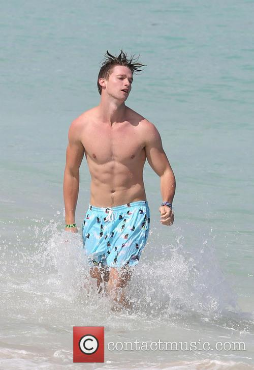 patrick schwarzenegger patrick schwarzenegger enjoys a day 3575045