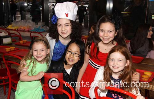 Brooklyn, Lilla Crawford, Junah Jang, Madie Rae Dipietro and Sadie Sink 5