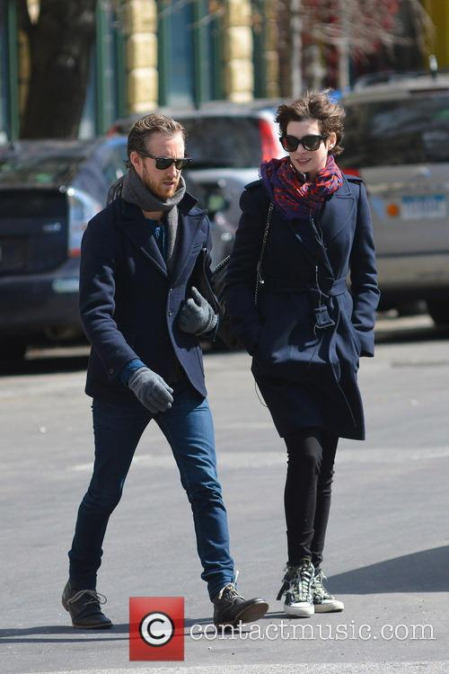 Anne Hathaway and Adam Shulman 12