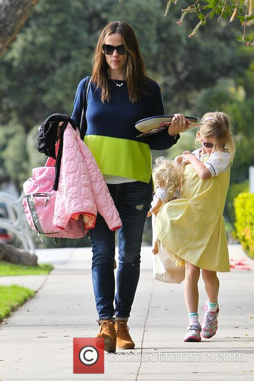 Jennifer Garner and Violet Affleck 2