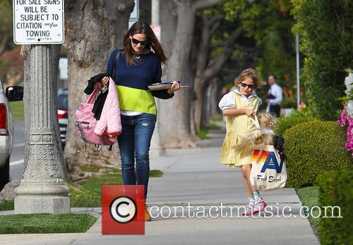 Jennifer Garner and Violet Affleck 6