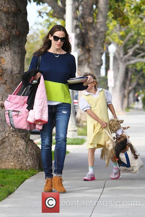 Jennifer Garner and Violet Affleck 12