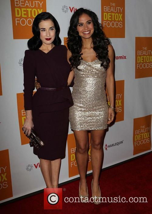 Dita Von Teese and Kimberly Snyder 6