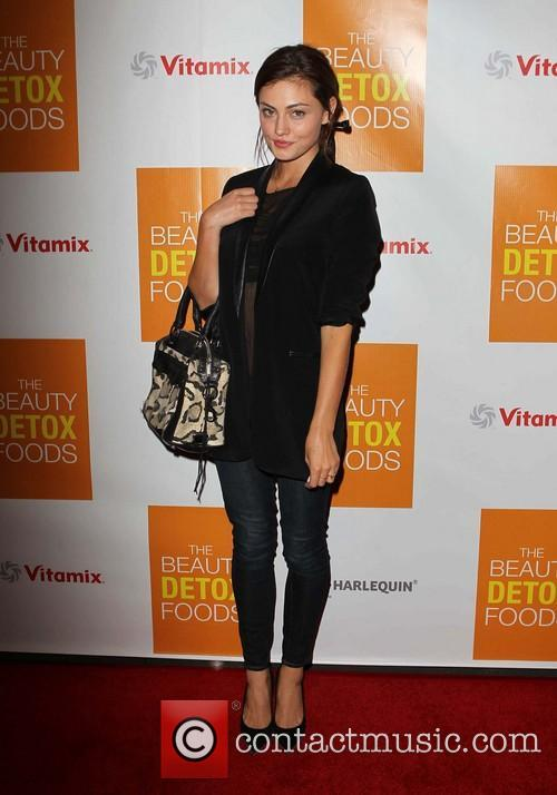phoebe tonkin book launch party for the 3577555