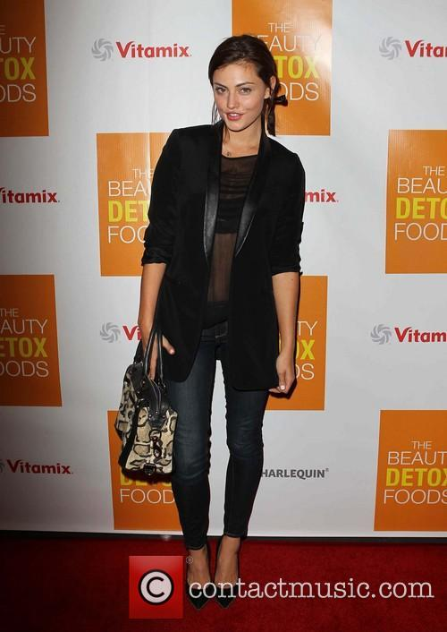 phoebe tonkin book launch party for the 3577595