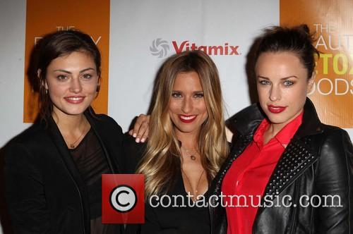 Phoebe Tonkin, Renee Bargh and Natalie Zea 9